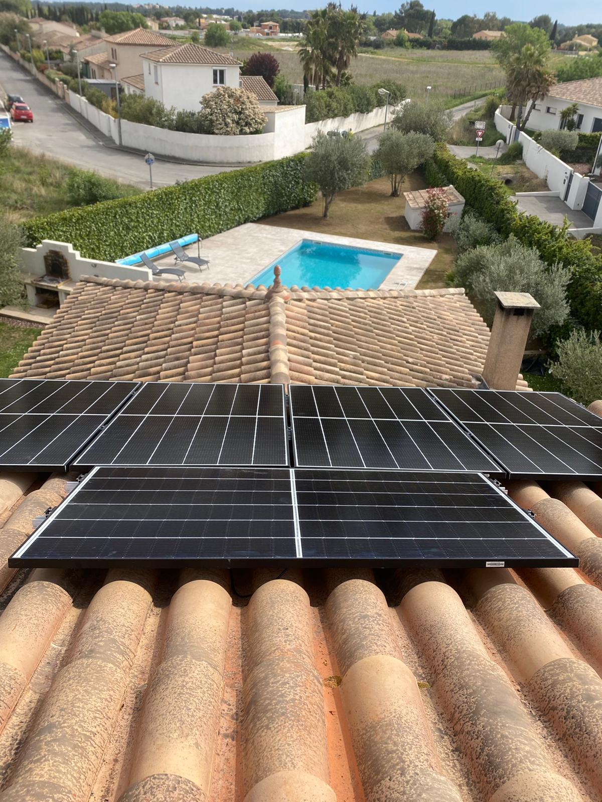 Produisez de l'eau chaude avec des panneaux solaires